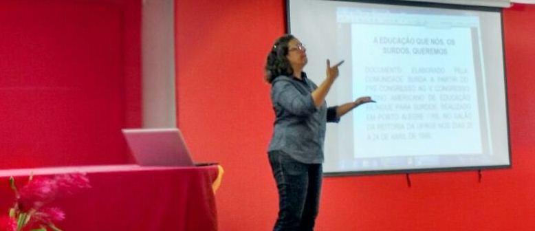 INES promove seminário em Brasília sobre políticas e práticas na educação de surdos