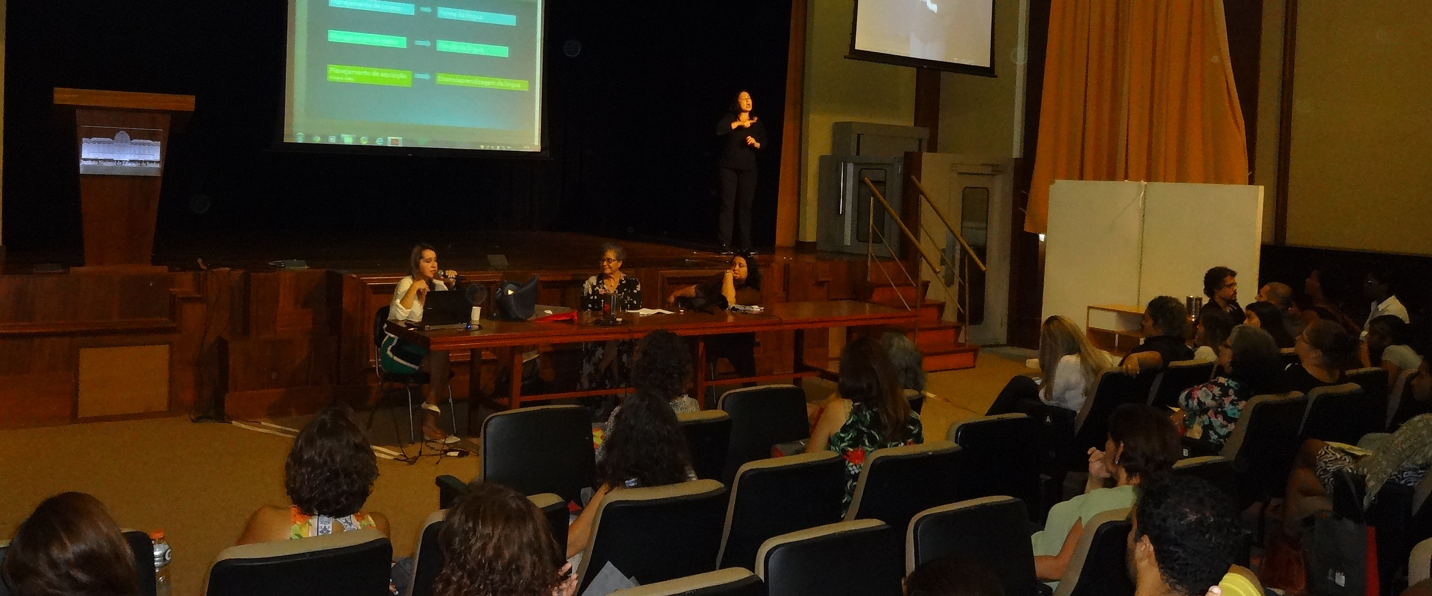 VII Semana Pedagógica do INES discute desafios da formação bilíngue