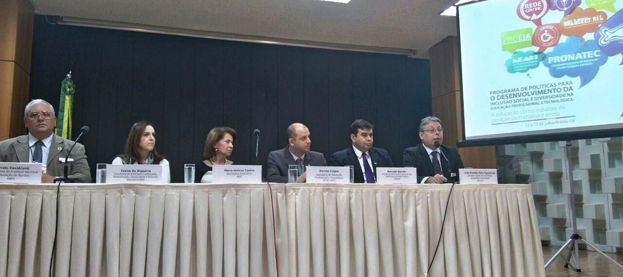 Representantes do INES participam de evento sobre inclusão social e diversidade na educação profissional