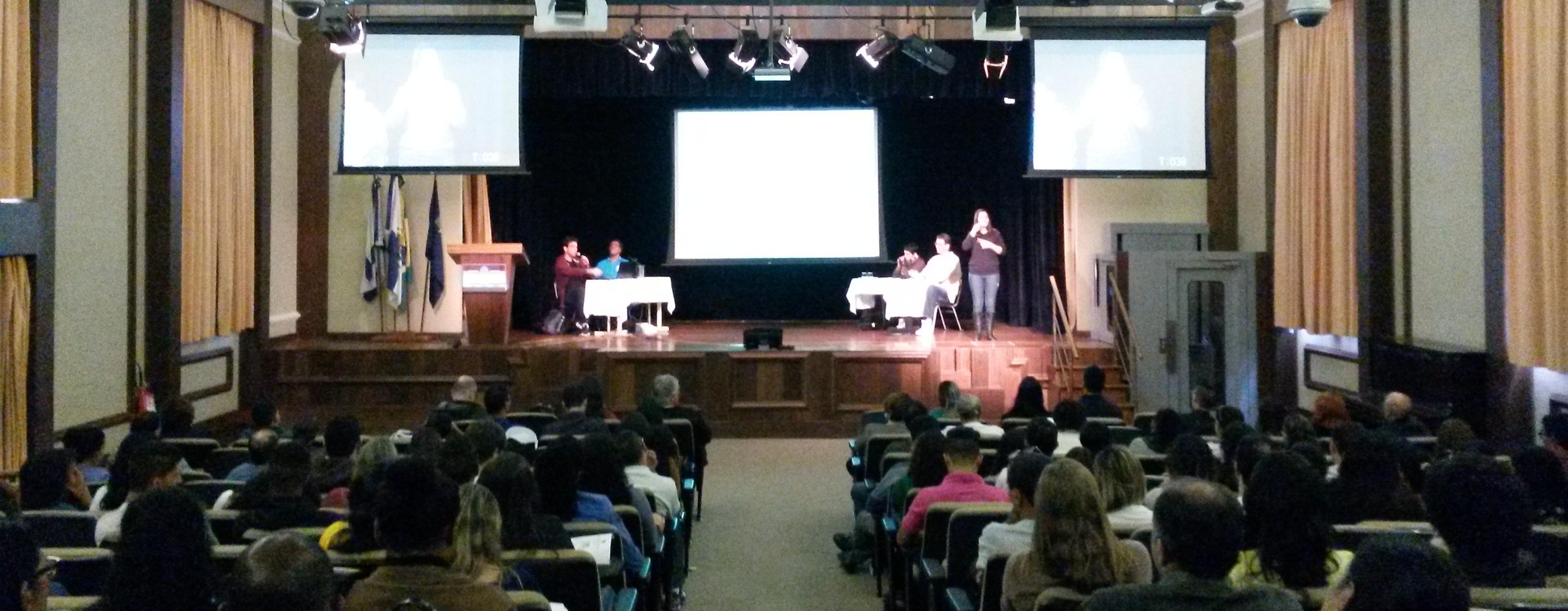 Fórum Bilíngue do INES debate participação dos surdos no esporte